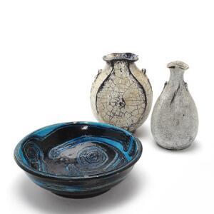 Birte Weggerby, Svend Hammershøi Skål af stentøj samt to vaser af lertøj. 3