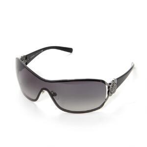 856d0fc9a16b Chanel Et par solbriller med overgangsfarvede glas i grå toner