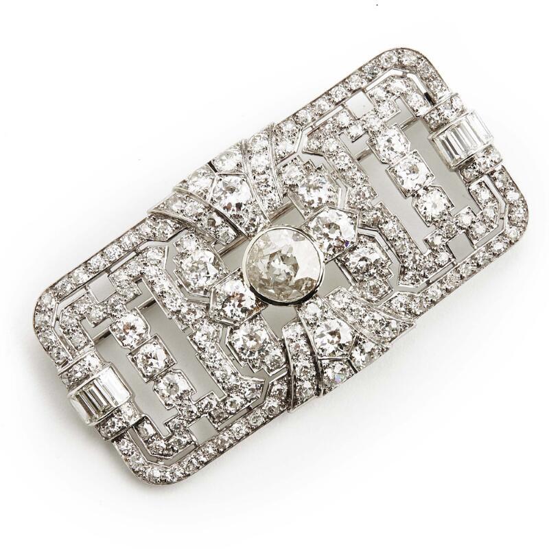 An Art Deco diamond brooch with an old-cut diamond weighing app. 2.10 ct...