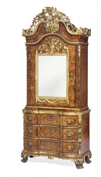 Johann Friedrich Köster: An Altona Rococo/Louis XVI mirror cabinet. C. 1770-1780. H. 268 cm. W. 118 cm. D. 58 cm.