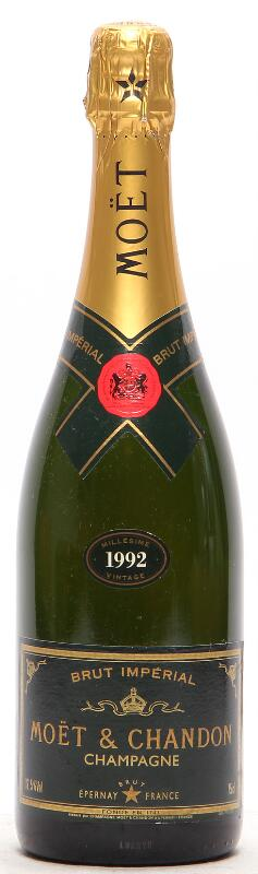 """1 bt. Champagne """"Vintage"""" Moët & Chandon 1992 A (hf/in)."""