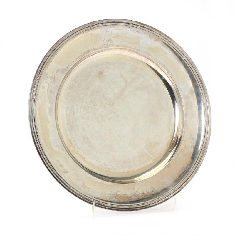 A Round silver dish, maker Grann & Lagley, Copenhagen 1938. Weight 782 g...