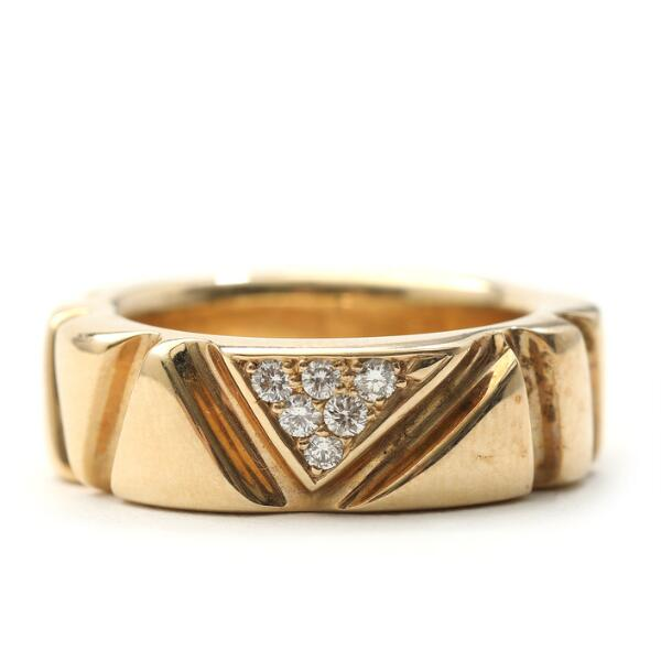 """Toftegaard: """"Fragments"""" diamond ring set with six brilliant-cut diamonds totalling 0.12 ct., mounted in 14k gold. Size 53."""